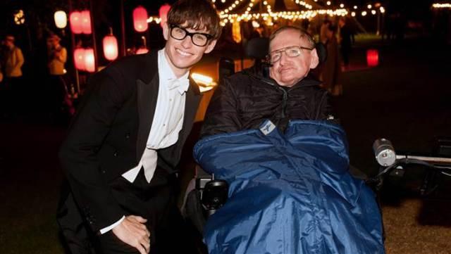 """Eddie Redmayne, vencedor do Oscar em """"A Teoria de Tudo"""" ao interpretador o físico Stephen-Hawking"""